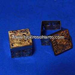 Box kotak Grajen 3,5x3,5 cm kuningan TNI