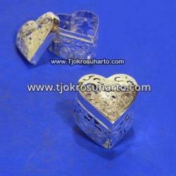 EBG 186 Box Tatah Grajen Perak 4 cm tg: 4 cm Jantung TNI x