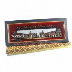 LPG 312 Pigura wayang kulit Kecil 20X50x4 cm Kresno duta cm WWW