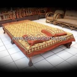 BLT 070 Sprei / Bedspread  2 Bantal 2 Guling Tambal alit SMR