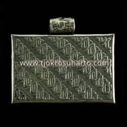 Liontin trap Batik 8x7 cm WDI