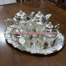 ELM 027 Tea Set (2 teko,Gula,sendok, saringan) DRM